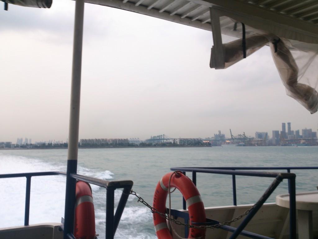 シンガポール海峡 2014-03-29 18.48.22